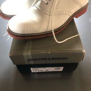 johnston and murphy white bucks